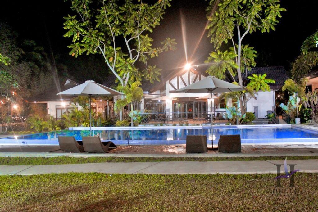 rose villas resort