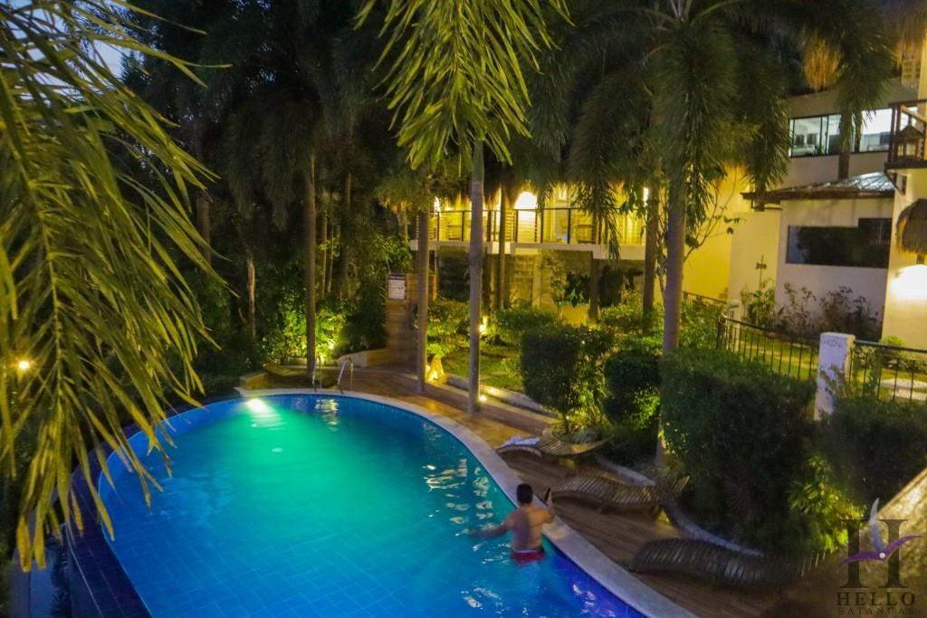 mataasnakahoy resort